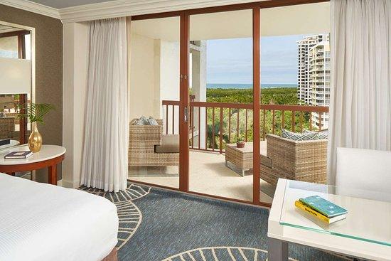 Naples Grande Beach Resort: Gulf of Mexico Balcony View
