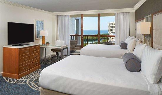 Naples Grande Beach Resort: Standard Two Queen Guestroom