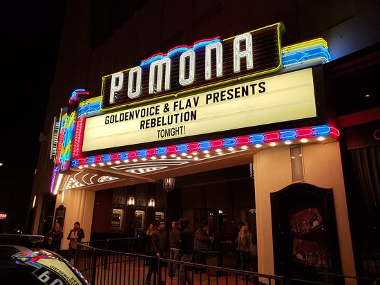 ‪Fox Theater Pomona‬