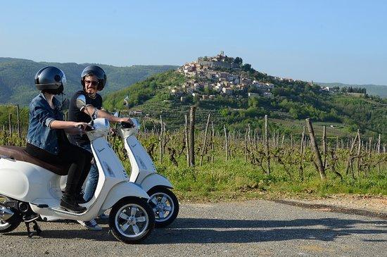 Vespa Tour Istria - Montona Tours
