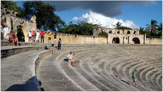 Altos Dechavon, Dominican Republic: Altos de Chavon Amphitheater