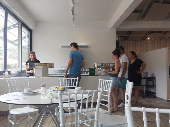 Le Bar De La Salle A Manger Picture Of Akrathos Beach