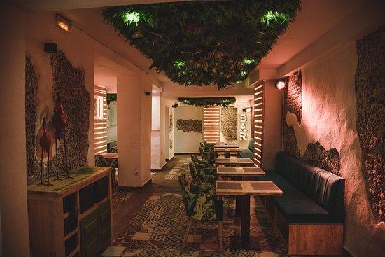 Malaga, Spain: Zona de restaurante.