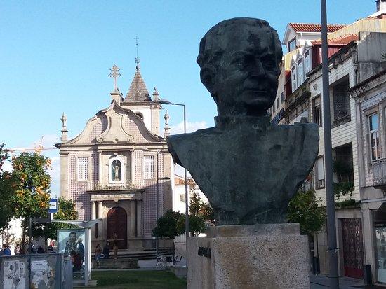 Monumento a Alberto Cruz