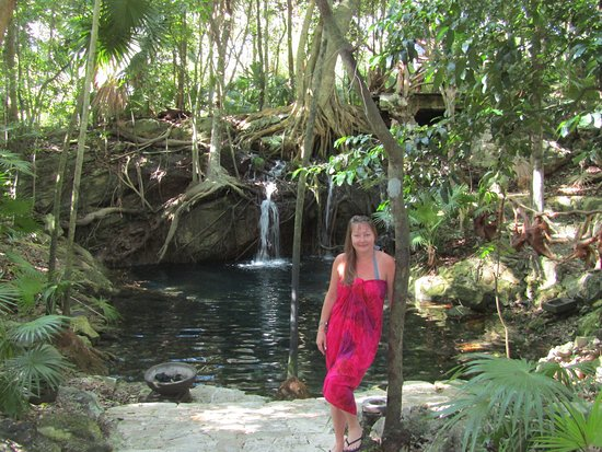 Sandos Caracol Eco Resort: One of the many paths in the resort will lead to beautiful places