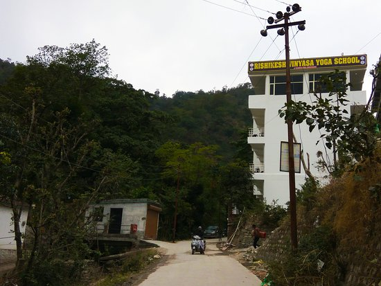 Rishikesh Vinyasa Yoga School