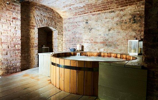 Brighton HarSPA: Scandinavian style hot tubs