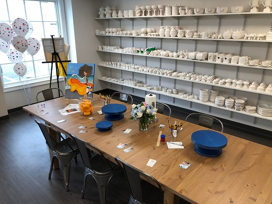 A wide selection of pottery to paint.