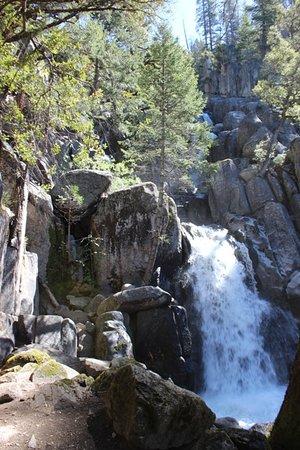Mariposa, CA: Lower Chilnualna Falls Trail