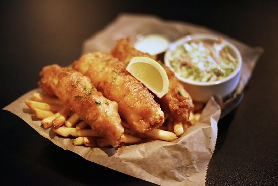 Shingle Springs, Kalifornia: Fish and Chips - Three pieces of hand battered, made to order, cod. Served with fries and your choice of regular or chipotle slaw.