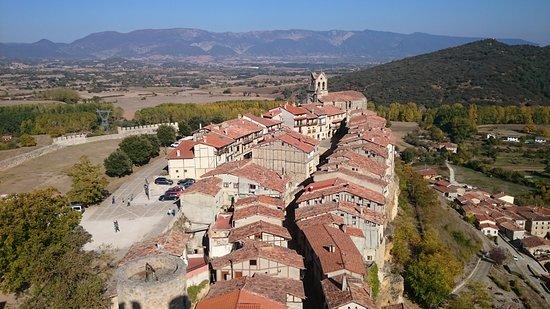 Vista general de Frías, desde la Torre del Homenaje del castillo.