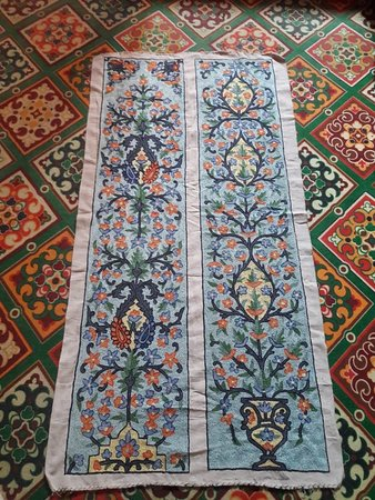 The Shalimar Emporium: Handmade Wall hangings and bed runners from the valley of Kashmir..... I proud my craftsman