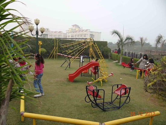 Pictures of The Stellar Gymkhana - Greater Noida Photos