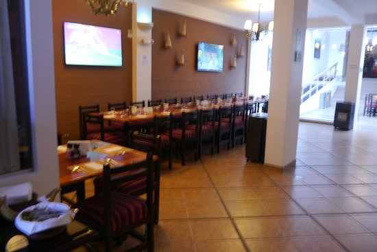 Casa Andina Standard Puno: Buffet breakfast....go early or late as the dining room fills