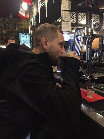 O'Sullivan's Irish Pub: Отличное место, где вам будут рады даже в нерабочие Часы, укроют от дождя и пустят обогреться. Особый респект Барману Дмитрию 😉🙏