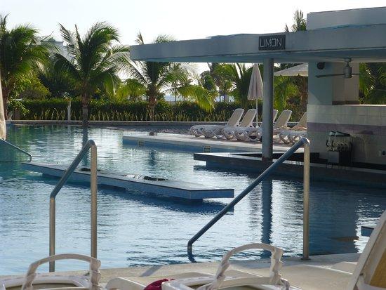 Bar de piscine