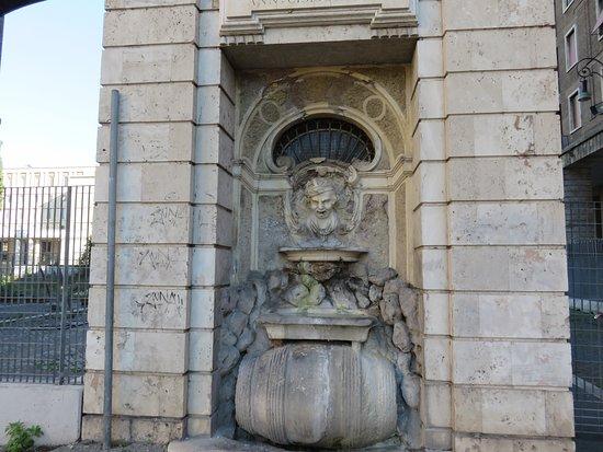 Fontana della Botticella