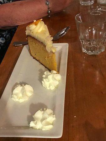 Lakers Tavern: Orange Cake