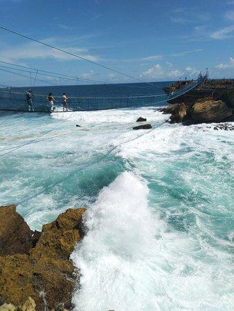 Sleman, Indonesia: Gondola timang beach