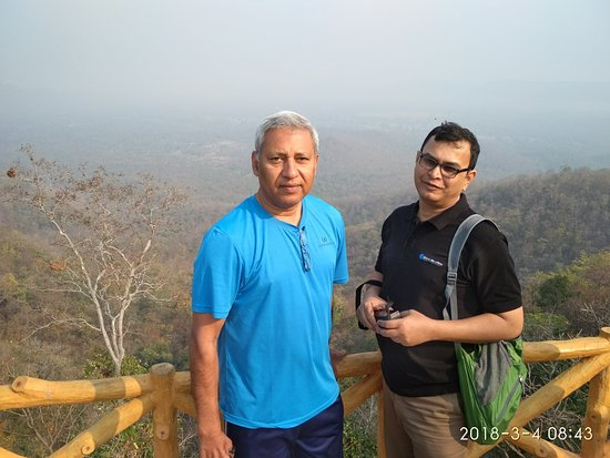 Garh Siliyara, India: In front of Keshkal Valley