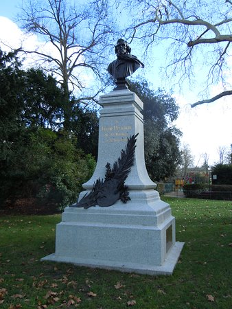 Monument en Hommage a Eugene Delacroix
