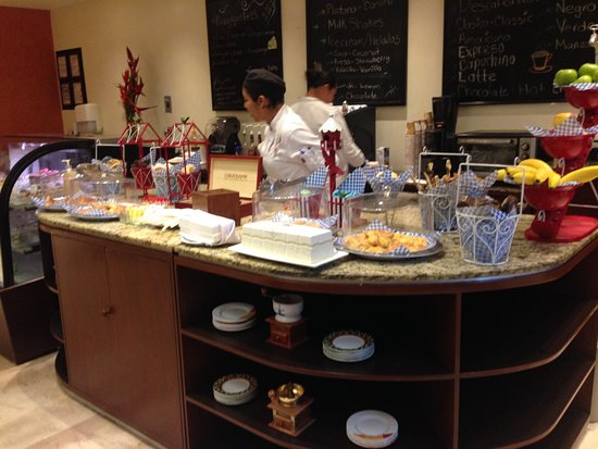 Hacienda Tres Rios Resort & Nature Park: Cafe Paris - coffee, treats and desserts