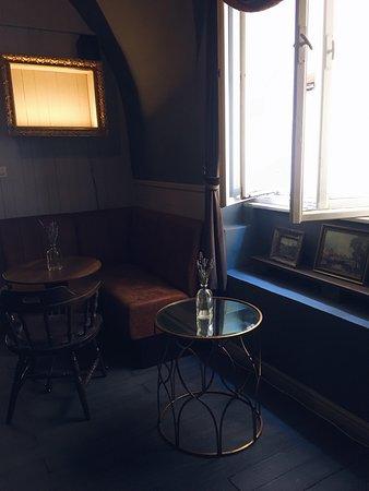 Leroy Bar & Café: Interiér