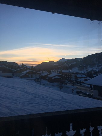 Fantastic chalet and skiing holiday