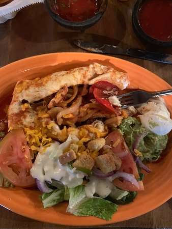 Rancho Rustico: Variety of Mexican dishes were ordered - great!