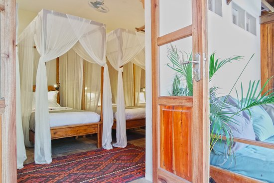 Flowers and Fire Yoga Garden Gili Air: Deluxe Share/Family Room (4 x single beds).