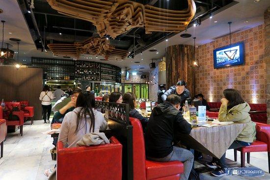 Cocina 3 Tapas Restaurant & Bar: 面積都相當大