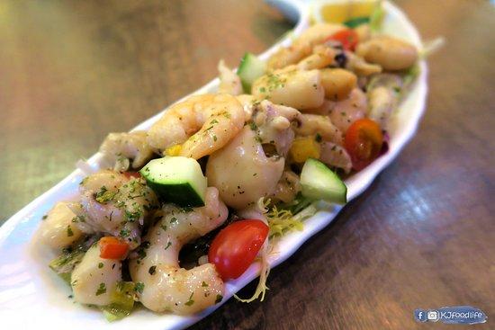 Cocina 3 Tapas Restaurant & Bar: 古秘魯海鮮沙律