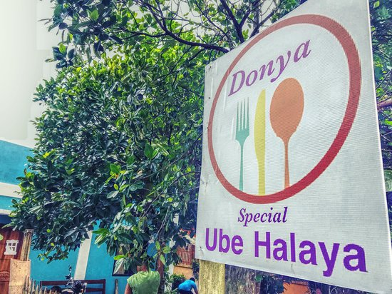 The best ube halaya in town. A dessert that every travellers and locals must try. Donya Special Ube Halaya is known in Barotac Nuevo, Iloilo for its yummy and delicious Ube Halaya and other native delicacies like suman (biko), valenciana and their newest product, which is the mango halaya.