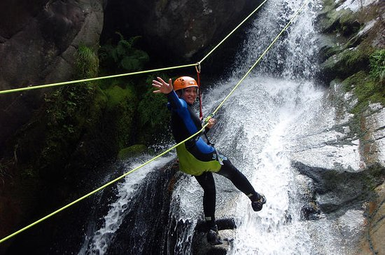 CANYONING IN GERES