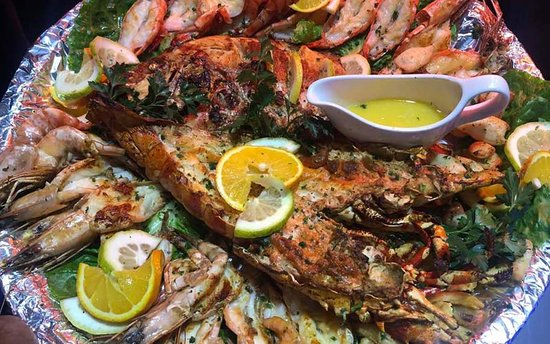 Piatto Restaurant: The famous seafood platters