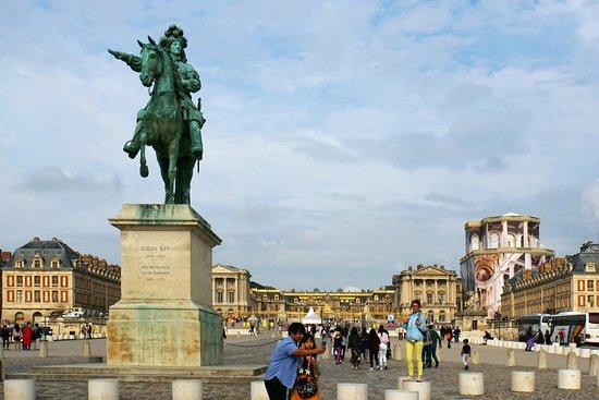 Monument a Louis XIV