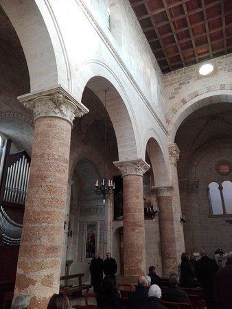 Bella chiesa del 1300