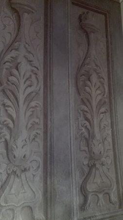 Chiesa Santa Maria Nascente: Decoro delle pareti (particolare)