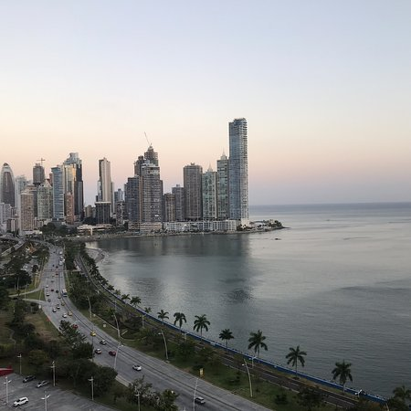 InterContinental Miramar Panama: Great Stay! Pictures of Suite 1711 . Very good service the staff are very attentive and always trying to help, Lourdes and Federico at the front desk were great! Recommended for business and family holidays. Looking forward to coming back.