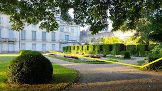 Jardin du musee des Beaux Arts