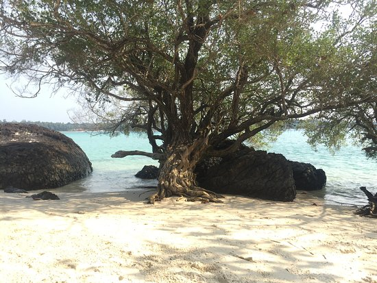 Ko Kham: Beach