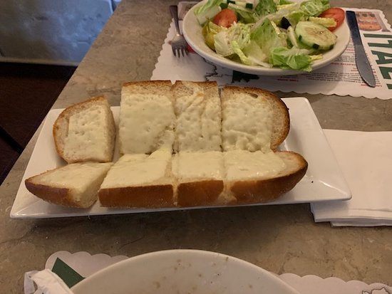 Umberto's of Long Island: Garlic Bread with Cheese smells wonderful