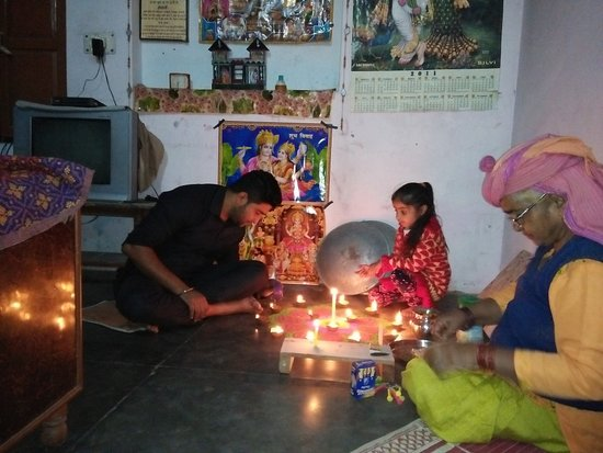 Una District, Índia: enjoy diwali festivle with family