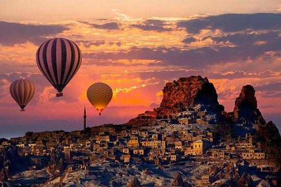 从伊斯坦布尔乘飞机前往安塔利亚的3晚3天卡帕多西亚之旅