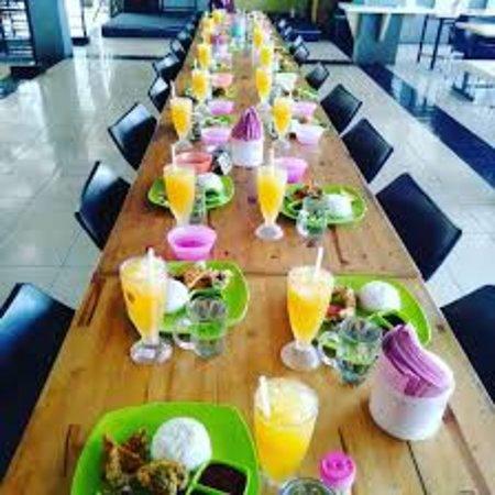 Kutacane, Indonesien: halloww teman2 yg binggung mau makan enak dengan harga terjangkau, silahkan dicicipi menu menu kita. harga kaki lima kualitas bintang lima
