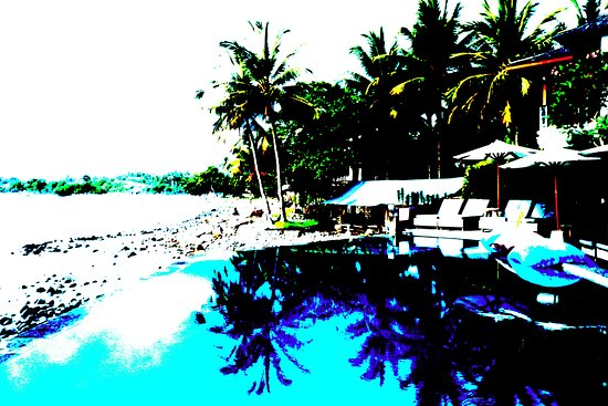Medewi, Indonesien: posturized view across the pool .