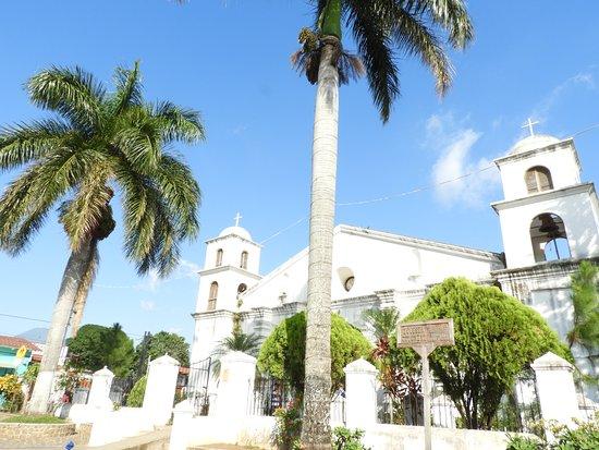 Iglesia Nahuizalco