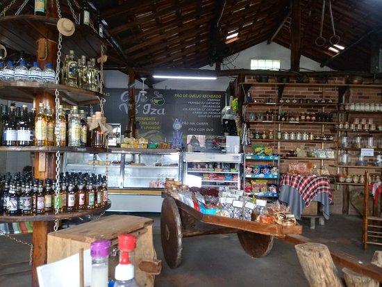 Borda da Mata, MG: Aspecto do interior do Café.