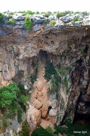 Cennet ve Cehennem Mağaraları