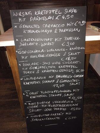 Eggstaett, Germany: Schöne Geschmacksvielfalt von Suppe bis Dessert